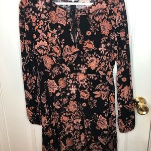 Long sleeve pattern dress